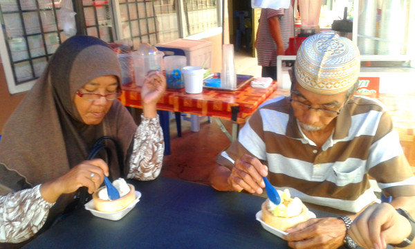 Opah and Atok with ice cream