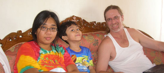 Cik Dik, Ayah Cik and Irfan in between